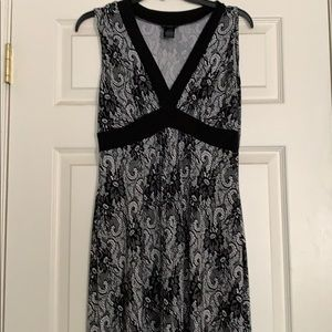 Black & white flowery dress size 8